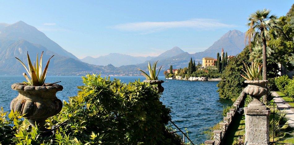 Giardini verdi in autunno Lago di Como