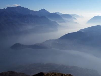 alba sul lago di Como