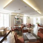 Cafe Bellini: The lounge bar with Lake Como view
