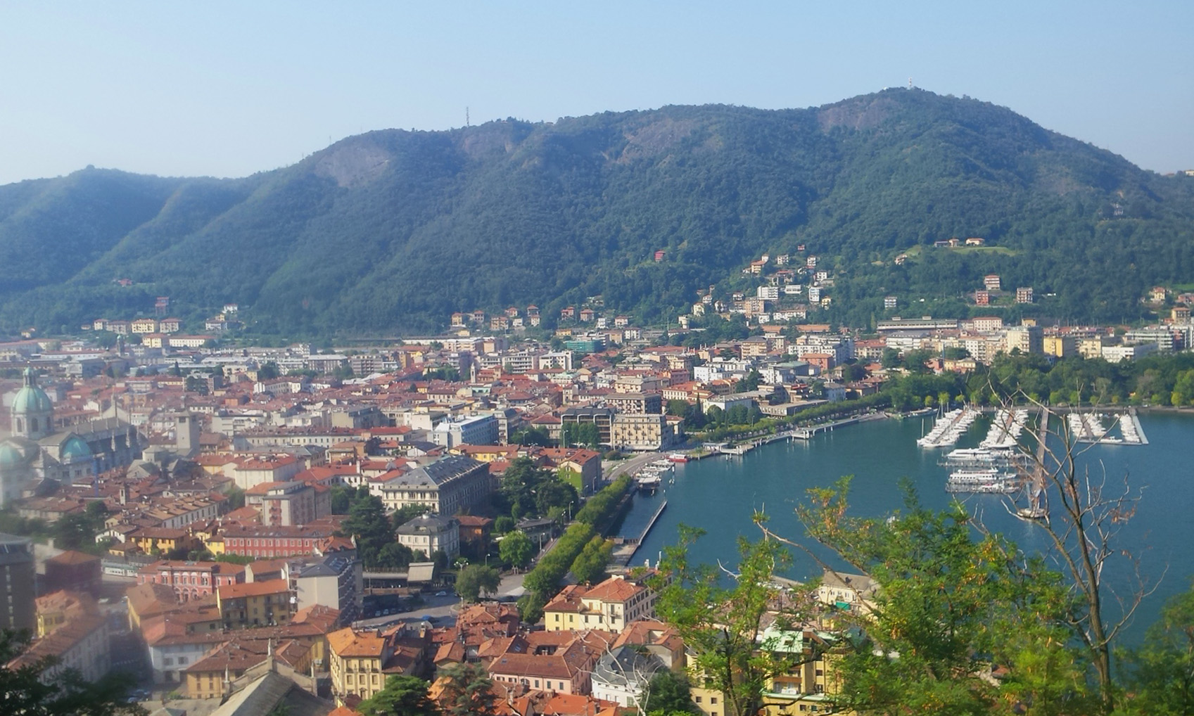 A walk in Brunate to the Volta's lighthouse Hotel Posta