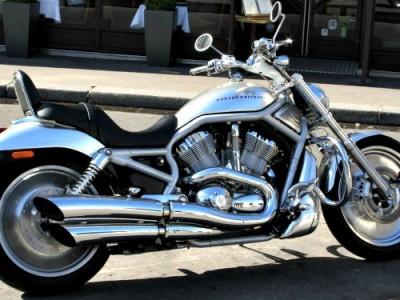 Harley-Davidson-and-lake-como