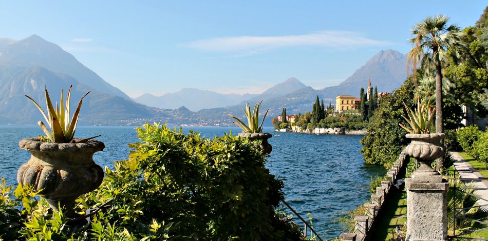 The mild climate on Lake Como and his green gardens in Autumn