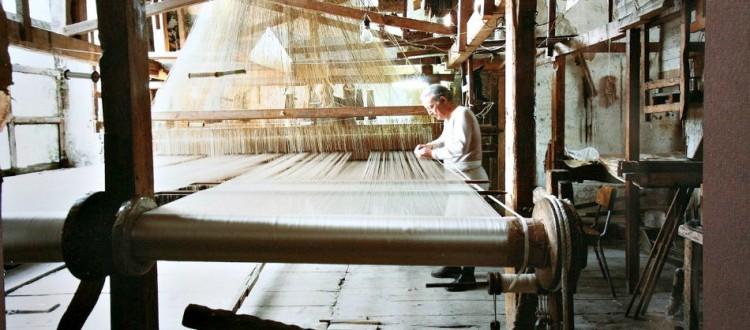 Artesanal Silk Loom