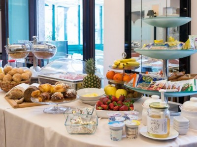 Open Breakfast Lake Como