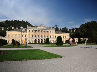 a walk in Villa Olmo