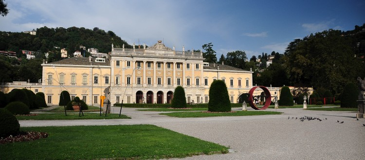 a walk in Villa Olmo